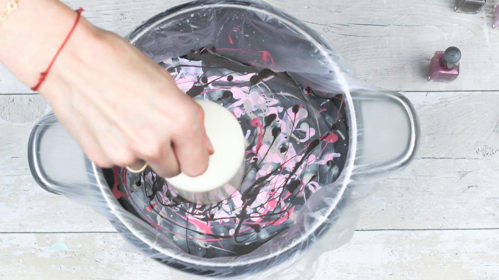 Jak zrobić świeczkę z efektem marmuru?